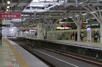 2014年5月5日 7時15分頃、石神井公園、停車中の1001レとそのすぐ後ろの4851レ。