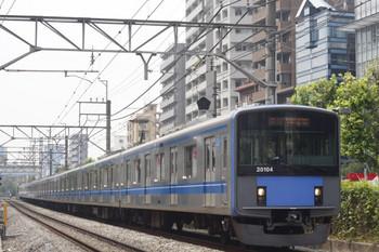 2014年6月17日、高田馬場~下落合、20104Fの2332レ。