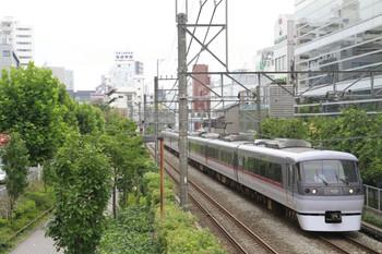 2014年7月19日8時39分頃、高田馬場~下落合、10106Fの特急「おくちちぶ」91号。