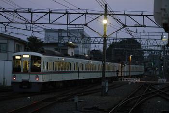 2014年8月17日 18時37分頃、東村山、秩父からやって来た4019F+4013Fの上り臨時列車が発車。