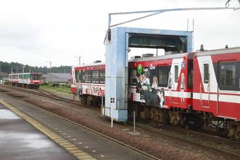 2014年9月7日、大洗、「ガールズ&パンツァー」のステッカーが貼られた鹿島臨海鉄道の6018。