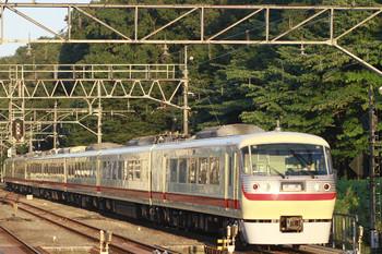 2014年9月14日 17時19分、仏子、通過する10105Fの下り回送列車。