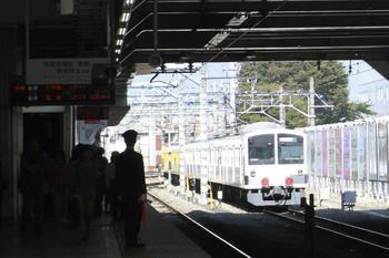 2014年10月25日 12時8分頃、所沢、6番線から新秋津駅へ発車した1241F+263Fの回送列車。