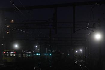 2014年12月1日、石神井公園、5203レの3009F。右は夜間滞泊の20151F。