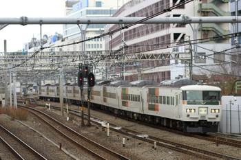 2015年1月1日 10時4分頃、池袋~目白、湘南色185系の南行 回送列車。
