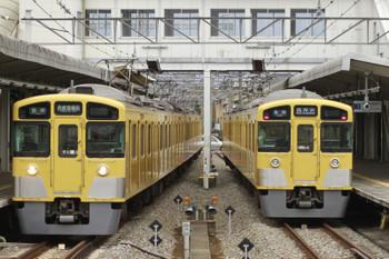2015年1月1日、西所沢、6137レの2063F(左)と6140レの2531F。