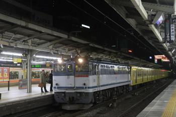 2014年12月15日 22時7分頃、名古屋、東海道線ホームを通過するEF65-2083+西武3007Fの下り貨物列車。