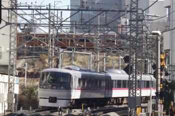 2015年1月23日、高田馬場~下落合、10107Fの118レと茶色の山手線。