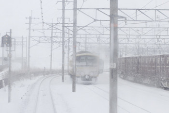 2015年2月10日 9時8分頃、米原操車場で発車を待つ3009Fほか。