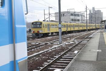 2015年2月10日、彦根、一旦 南側に引き上げられてから車庫に押し込まれる3009F。
