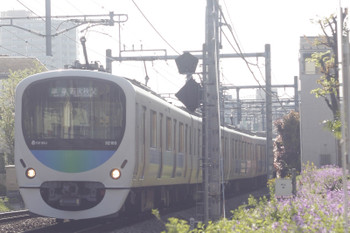 2015年4月16日、池袋~椎名町、32103F+38105Fの西武秩父ゆき4209レ。