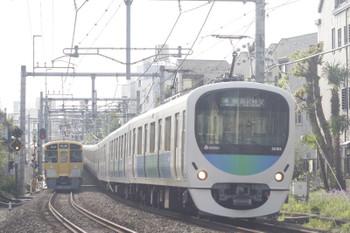 2015年4月24日、池袋~椎名町、32103F+38105Fの西武秩父ゆき4209レ。