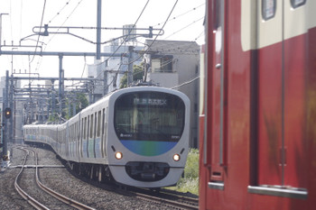2015年5月15日、池袋~椎名町、32101F+38103Fの西武秩父ゆき4209レ。手前の9103Fは1102レ。