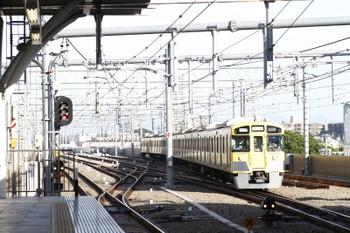 2015年5月30日 6時3分頃、石神井公園、到着する2063Fの上り回送列車。