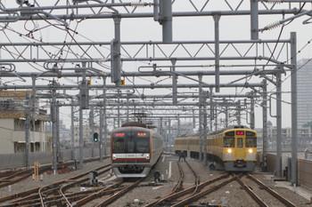 2015年8月7日、石神井公園、2097F+2457Fの上り回送列車。