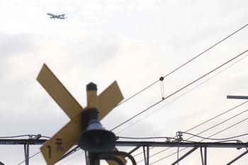 2015年9月12日 17時23分頃、元加治、北から南に通過するジェット旅客機。