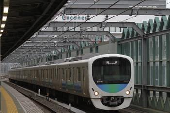 2015年9月23日 6時11分頃、練馬、通過する38107Fの上り回送列車。