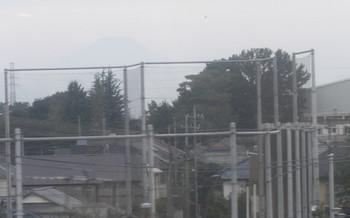 2015年9月23日、大泉学園~石神井公園、高架線上から見えた富士山。