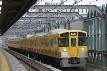 2015年10月12日 6時12分頃、練馬、2087Fの上り回送列車。