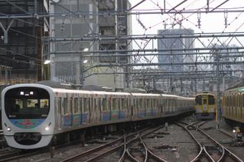 2015年10月31日、池袋、ハロウィーン臨時列車用の30101F上り回送列車。