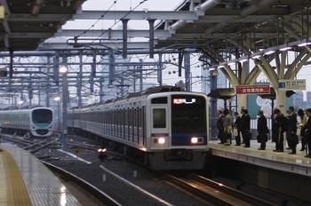 2015年11月2日、石神井公園、到着する6104Fの2104レ。