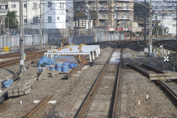 2015年11月7日、東村山、下り列車から先頭から川越方を撮影。