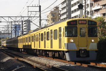 2015年11月16日、高田馬場~下落合、2057F+2401Fの2332レ。