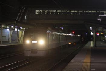 2015年11月20日 5時15分頃、仏子、中線に到着する10103Fの上り回送列車。