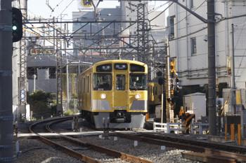 2015年12月22日、高田馬場~下落合、2071Fの5137レ。