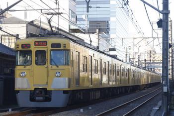 2015年12月18日、高田馬場~下落合、2417F+2003F?の2801レ。