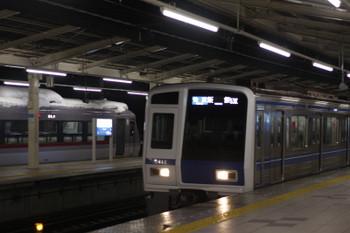 2016年1月18日、入間市、3705(53K運用)の6115Fと44レの10110F。