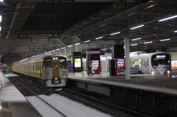 2016年1月18日 5時40分頃、所沢、左から38104Fほかの3102レ・2079Fの下り回送・38116Fの5201レ。