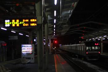2016年1月22日 5時41分頃、清瀬、2番ホームから引き上げ線へ「逆送」のメトロ10007F。