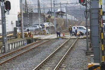 2016年3月21日、御花畑駅、作業中の踏切。