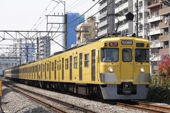 12016年3月31日、高田馬場~下落合、2401F+2095Fの2642レ。