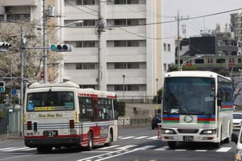 2016年4月1日、高田馬場駅近くの新目白通り。
