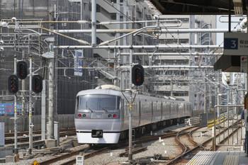 2016年5月1日10時5分頃、練馬、2番ホームから発車した「ちちぶ93号」。