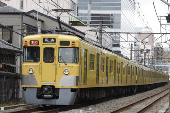 2016年6月16日、高田馬場~下落合、2401F+2067Fの2325レ。
