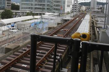 2016年7月10日、えちぜん鉄道福井駅、ホームから終端側を見る。左奥はバスターミナル。