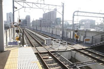 2016年7月11日、新福井、構内踏切など。福井方面ゆきホームから福井駅方向を見る。