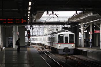 2016年7月16日 6時32分頃、所沢、3番ホームを通過する4013F+4019Fの上り回送列車。