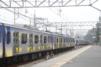 2016年7月17日 10時44分頃、仏子、中線のY513F上り回送列車を1710レが追い抜き。