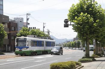 2016年7月11日 11時10分頃、足羽山公園口~商工会議所前間、880ほかの田原町ゆき。