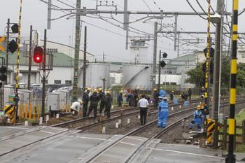 2016年8月22日 16時45分頃、稲荷山公園駅、上り方の線路で作業中。