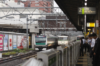 2016年9月7日 7時56分頃、高田馬場、山手貨物線を池袋方面へ回送される185系。