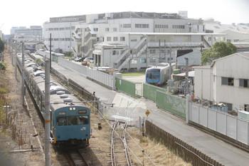 2016年9月9日、兵庫~和田岬、103系の兵庫ゆきと川崎重工工場内の西武40000系。