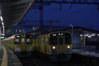 2016年9月13日、西所沢、9106Fの3102レ(左)と2465F+2091Fの5103レ。
