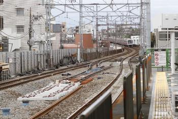 2016年10月9日、祐天寺、上りホームから横浜方を撮影。