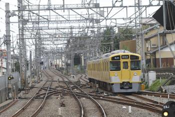 2016年10月10日11時25分頃、西所沢、2番ホームから引き上げ線へ入る2513F?。