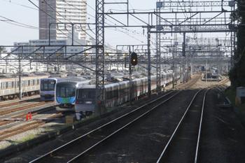 2016年10月15日、小手指車両基地、入り口付近に移動した40000系。下り列車から撮影。